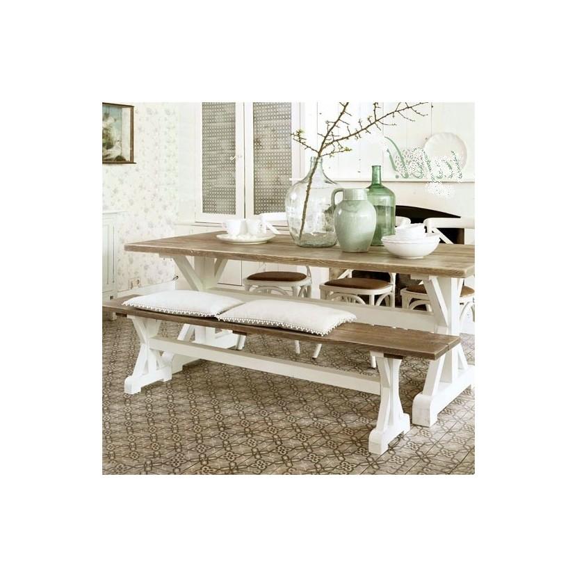 Stół na krzyżakach