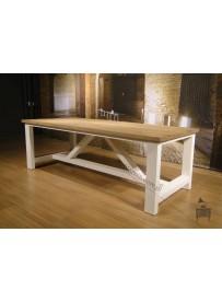duży stoł do jadalni